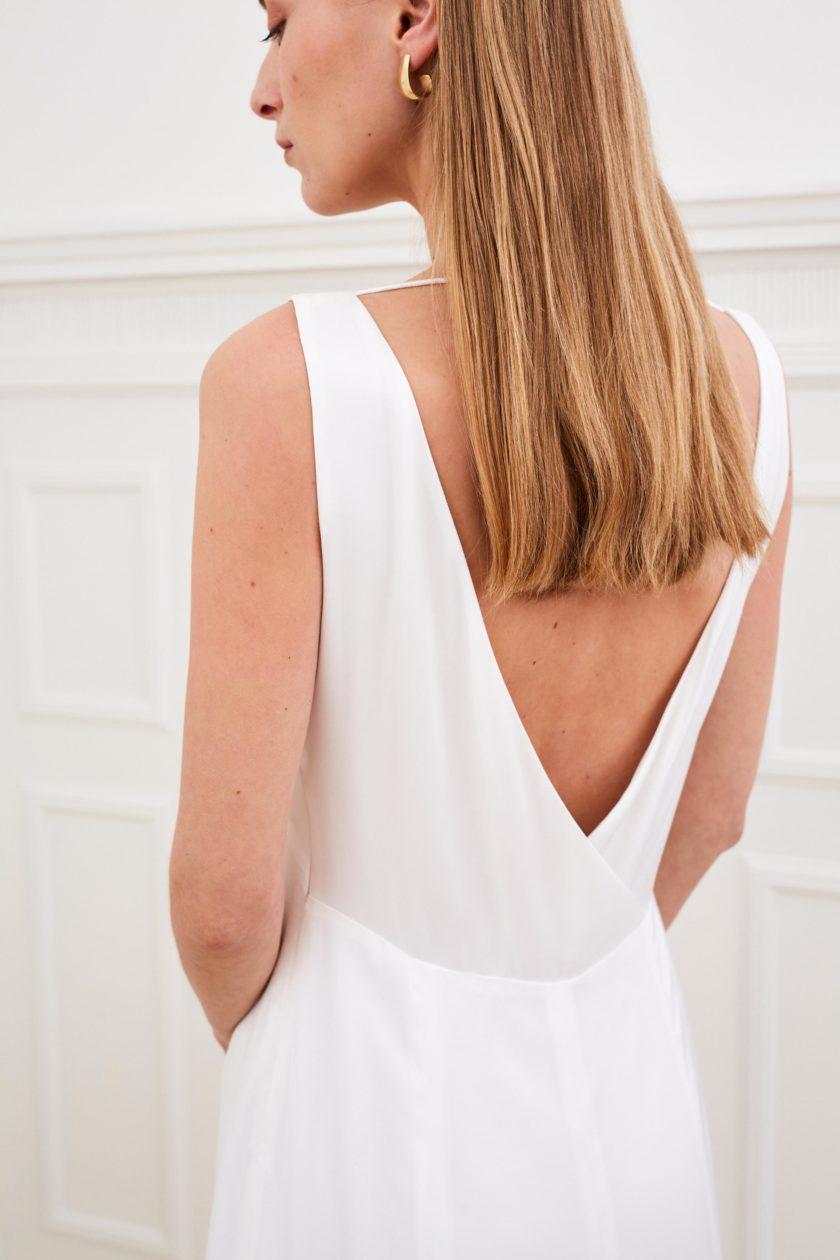 Amber - Modern wedding dress low back